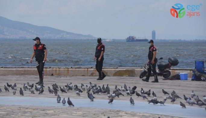 İzmir polisi maske denetimlerini sıklaştırdı