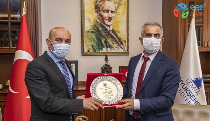 Sağlık İşçileri Sendikası'ndan Tunç Soyer'e teşekkür ziyareti