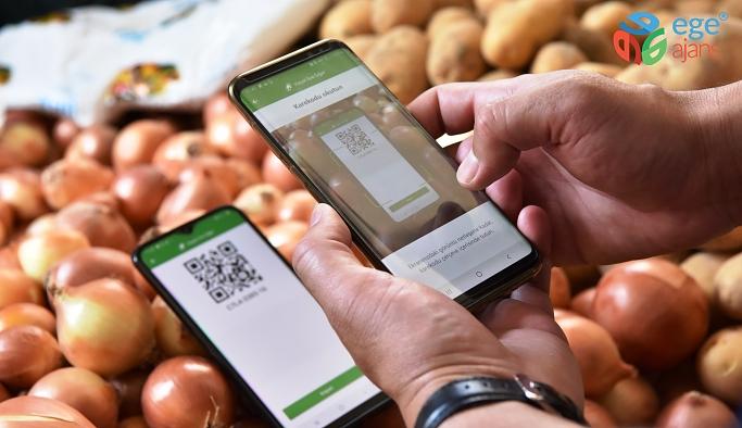 Bornova'da pazaryerlerinde HES Kodu uygulaması başladı
