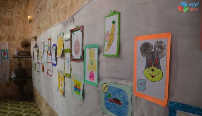 İdlib'de görme engelliler el sanatları sergisi açtı