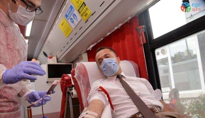 Kan stokları azalınca Vali Şentürk bağış kampanyası başlattı