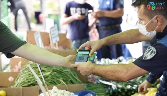 Konak'ta pazarcılara HES kodu denetimi