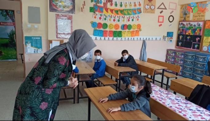 Okullar açıldı, o artık zil sesini duyabiliyor