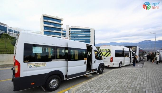 S Plakalı araçlar ile sağlık çalışanlarını ücretsiz taşınıyor