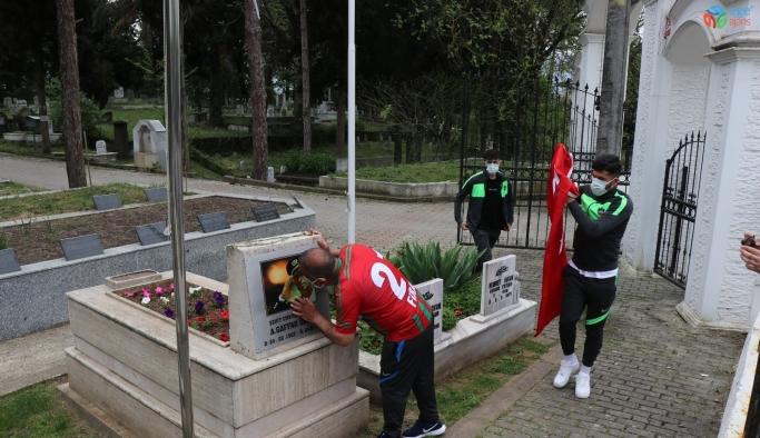 Diyarbekirspor şampiyonluk ve kupayı şehit Okkan'a armağan etti