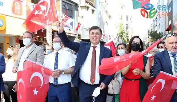 24 Haziran Coşkusu Karşıyaka'da Başladı