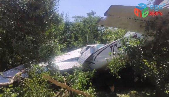 Bursa'da eğitim uçağı bahçeye düştü! Yaralılar var...