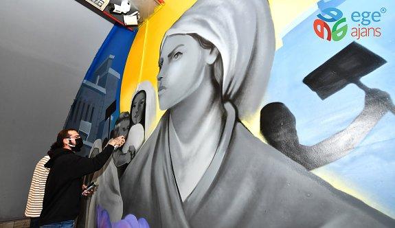 Türkiye'nin İlk Kadın Protestosu İzmir'de Ölümsüzleşti