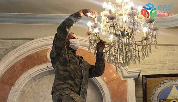 Mehmetçik, Barış Pınarı bölgesindeki Martuma Süryani Ortodoks Kilisesi'nin bakım ve onarımını yaptı