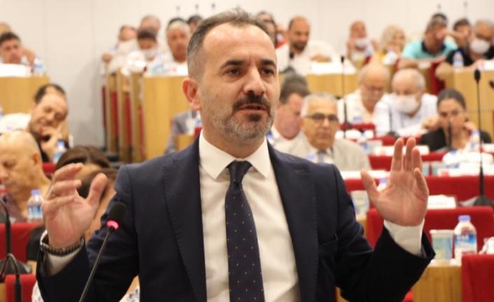AK Partili Hızal'dan hizmet binası çıkışı: İzmirli sizden ümidi kesti