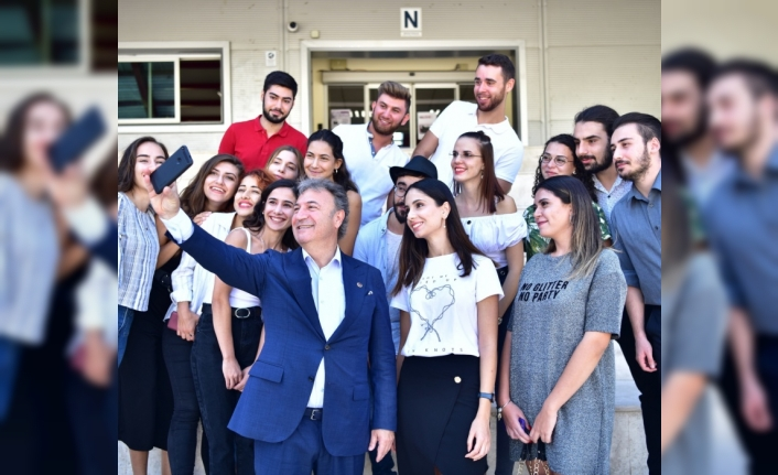 Bornova Belediyesi binalarını öğrencilere açıyor