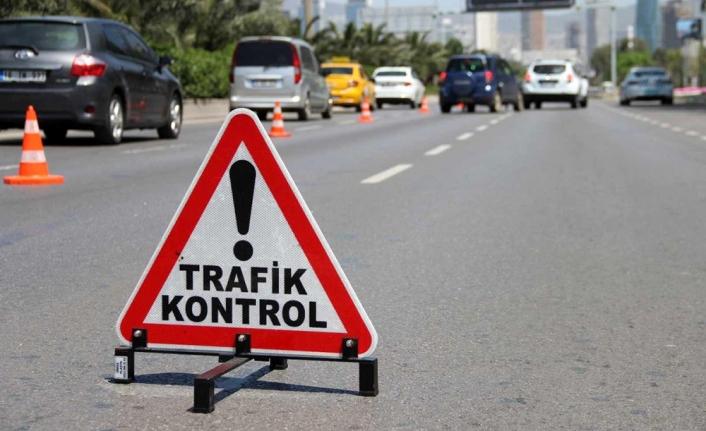 İzmir'de bir haftada 16 bin 450 trafik cezası