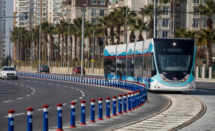 İzmir toplu ulaşıma dönüyor: Ortalama 1,5 milyon kişi taşındı