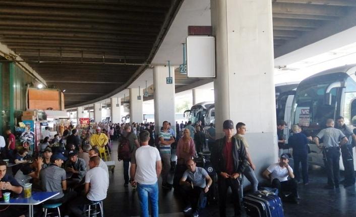 İzmir'de 18 yaşından küçüklere bilet satışı yasaklandı