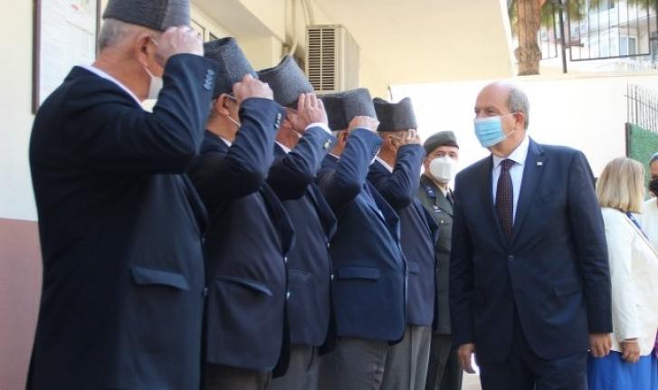 KKTC Cumhurbaşkanı Tatar, İzmir'de Kıbrıs gazileriyle buluştu