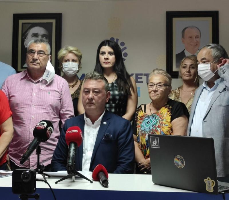 MP'li Oğuz'dan Soyer'e afiş göndermesi: Kendi cebinden karşılamalıdır