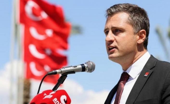 Yücel'den AK Parti'ye sert yanıt: Laiklik karşıtlarına cevap verilecek en güzel tarih 9 Eylül'dür