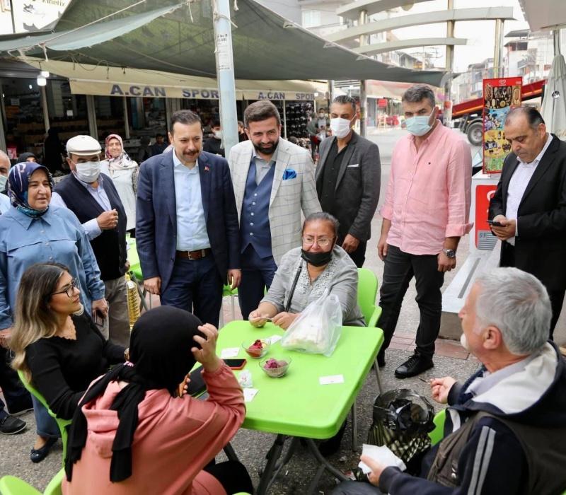 AK Partili Kaya: İzmirli hemşehrilerimizden köşe bucak kaçıyorsunuz