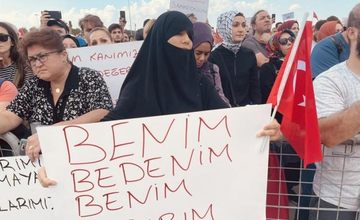 Aşı karşıtlarından bir miting de İzmir'de