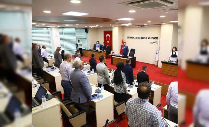 Bayraklı'da tarihi meclis: Emsal artışına yeşil ışık yakıldı