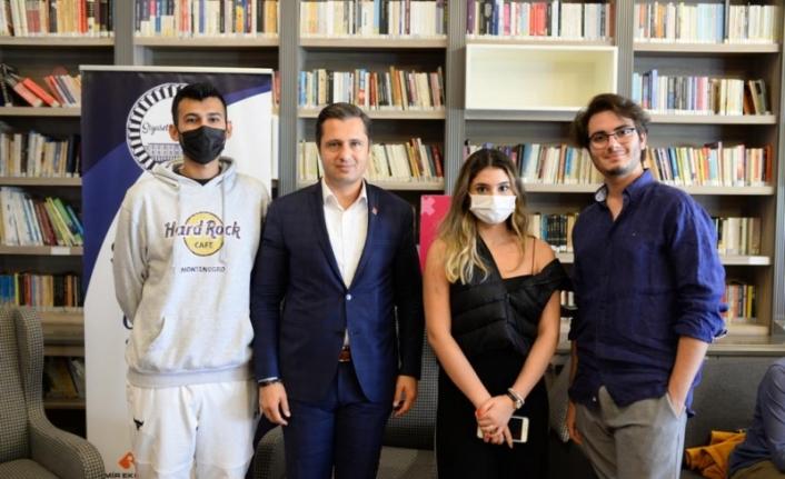 CHP'li Yücel üniversitelilerle buluştu: Bu iktidarın tuzağına düşmeyin