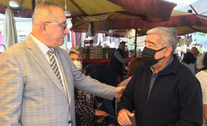 Gaziemir esnafı CHP'li Özkan'a dert yandı: Kurtarın bizi!