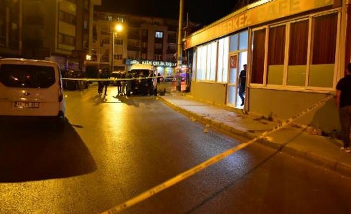 İzmir'de gece yarısı kafeye pompalı tüfekli saldırı!