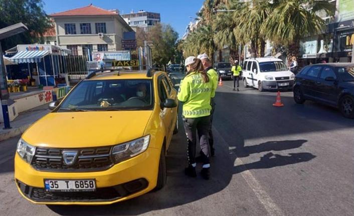 İzmir'de taksicilere sıkı denetim: 18 şoföre ceza kesildi!