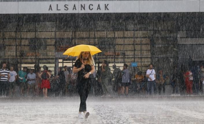 İzmir'e sağanak yağmur ve soğuk geliyor!