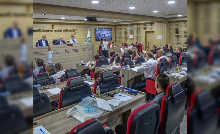 Menemen'de 5 saatlik maraton gibi meclis: Dev satışın önü açıldı