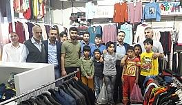 Dicle'de 436 çocuğa bayramlık giysi hediye edildi