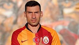Galatasaray, Şener Özbayraklı ile 2 yıllık sözleşme imzaladı