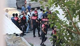 İzmir Karabağlar'da silah sesleri!