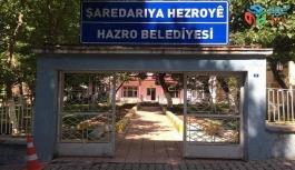 Hakkında terör soruşturması yürütülen Diyarbakır'ın HDP'li Hazro İlçe Belediye Başkanı Ahmet Çevik görevden alındı. Yerine İlçe Kaymakamı Ali Öner kayyum olarak atandı.