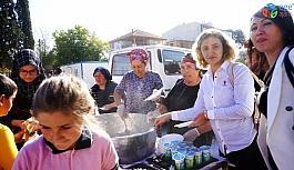 Okul ihtiyaçları için 'Pilav Şenliği'