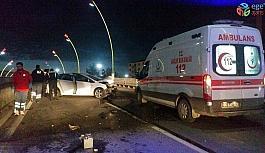 Otomobilin çarptığı köprüden düşen demir ayağına isabet etti