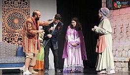 EBB Şehir Tiyatrosu'ndan yeni bir oyun daha: Zoraki Tabip