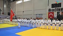 Afyonkarahisar'da Judo Gençler Türkiye 1.'liği final müsabakaları başladı