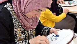 Gölbaşı Belediyesi'nden kadınlara el sanatı desteği