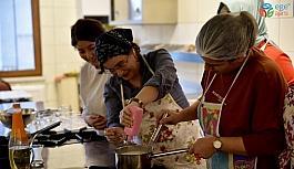 Kadınlar 'Mutfak Atölyesi'nde hünerlerini sergiliyor