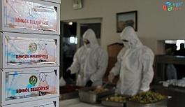 Bingöl'de fedakar sağlıkçılara iftar hizmeti