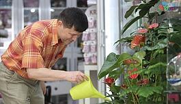 (Özel) Hem doktor hem çiçekçi