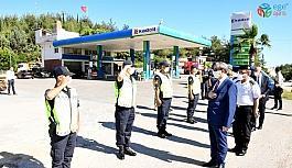 Vali Su, güvenlik güçleriyle bayramlaştı
