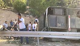 Askerleri taşıyan otobüs kaza yaptı! Çok sayıda şehit ve yaralı asker var