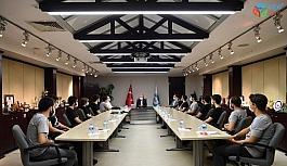 Başkan Büyükkılıç, İTÜ'nün İHA Takımına üye başarılı öğrencileri makamında kabul etti.