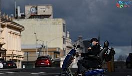 Yeni Zelanda'nın en büyük kentinde korona kısıtlamaları 12 gün daha uzatıldı