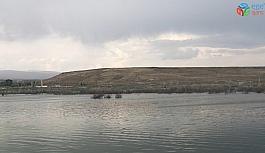 Kars'ta baraj kapakların açılınca su seviyesi 30 metre düştü