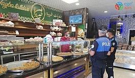 Mersin'deki yabancı uyruklu esnafa Covid-19 uyarısı