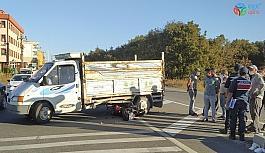 Sollamaya çalıştığı kamyonetin altına girdi: 2 yaralı