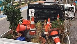 Marmaris'te araç parkını engelleyen malzemeler kaldırıldı